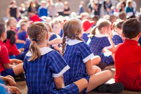 Foto de School kids in assembly - Imagen libre de derechos