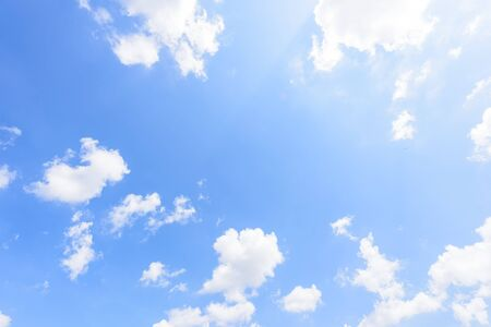 Photo pour The nature of blue sky with cloud in the morning. - image libre de droit