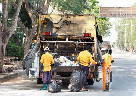 truck garbage