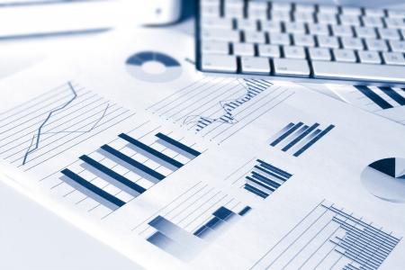 Photo pour set of financial performance business data graphs showing growth and sales - image libre de droit
