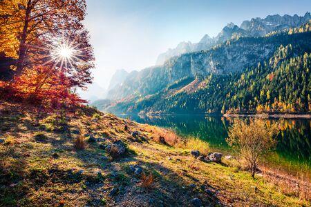 Photo pour Fabulous autumn scene of Vorderer ( Gosausee ) lake. Captivating morning view of Austrian Alps, Upper Austria, Europe. Beauty of nature concept background. - image libre de droit