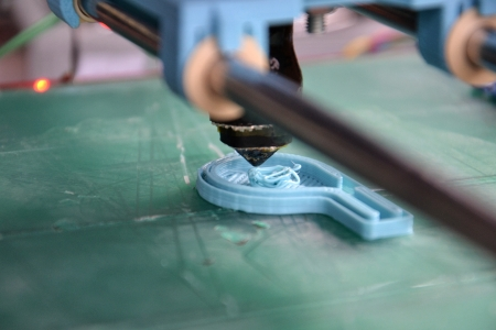 3d printer prints a fully functional whistle
