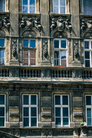 Foto de Budapest Hungary july 15, 2020 View of the architecture of historical building in the downtown area of Budapest, capital of Hungary and the most populous city of Hungary - Imagen libre de derechos