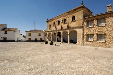 Photo pour Infante Don Juan Manuel square, Alarcon, Cuenca province, La Mancha, Spain - image libre de droit