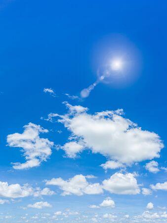Photo pour Beautiful blue sky and clouds natural background. - image libre de droit