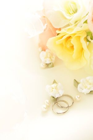 Photo pour Pair ring and ribbon for wedding image - image libre de droit