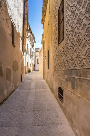 Photo pour Streets of the historic center of Segovia in Spain - image libre de droit