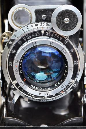 Photo pour Krasnogorivka, Donetsk oblast, Ukraine - May 12, 2013: The lens of photographic camera Moskva-5 - soviet rangefinder medium format camera produced by KMZ, 1956 - 1960s. - image libre de droit