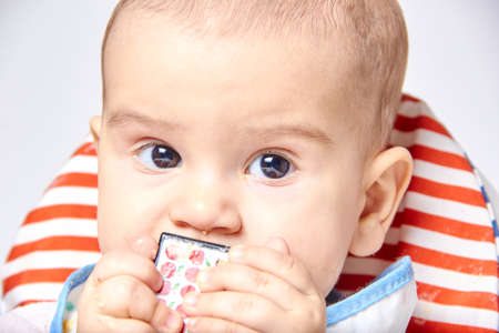 Photo pour baby everything tastes any items. - image libre de droit