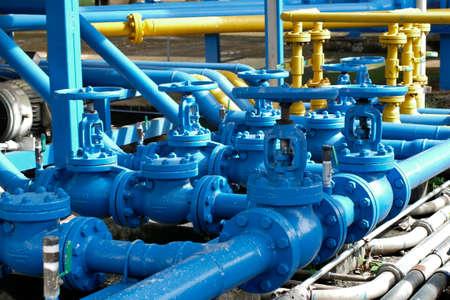 Photo pour Valves at gas plant, Pressure safety valve selective focus - image libre de droit