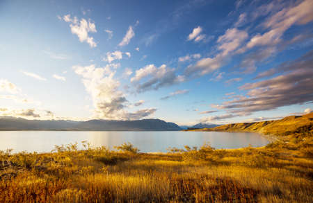 Foto de Amazing natural landscapes in New Zealand.  Mountains lake. - Imagen libre de derechos