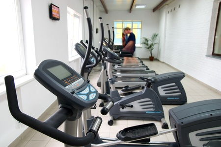 Training apparatus for run in fitness to a hall
