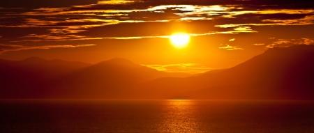 Photo pour Sunset at the sea - image libre de droit