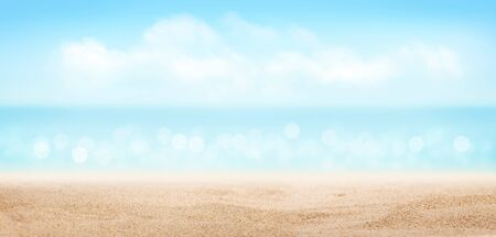 Photo pour Summer tropical sea with sparkling waves, hot sand on the beach and blue sunny sky. Wide template background - image libre de droit