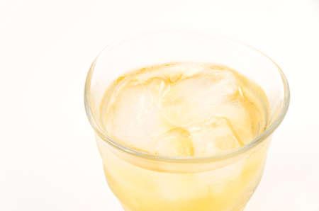 Photo pour Ice lemon tea on white background - image libre de droit