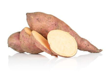 Photo pour Group of one whole one half two slices of fresh brown sweet potato isolated on white background - image libre de droit
