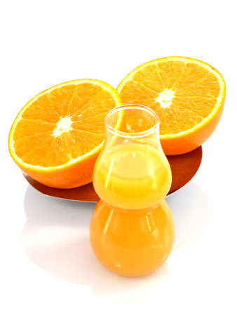 Photo pour Juicy oranges and freshly squeezed juice isolated on a white background. - image libre de droit