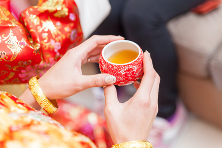 Photo pour Chinese tea ceremony cups in wedding day - image libre de droit