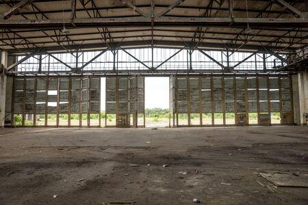 Foto für Old empty abandoned and ruined hall inside - Lizenzfreies Bild