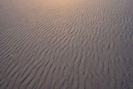 Photo pour Looking Across Rippled Sand with golden light - image libre de droit