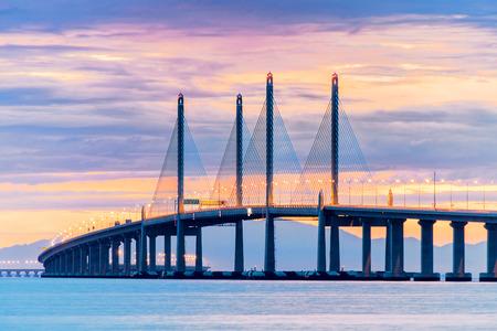 Photo pour 2nd Penang Bridge view during dawn in George Town, Penang, Malaysia - image libre de droit