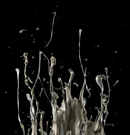 Foto de abstract silver liquid splash on black background - Imagen libre de derechos