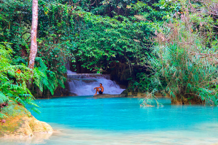 Photo pour Tat Kuang Si Waterfalls Beautiful landscape in Luang Prabang, Laos - image libre de droit