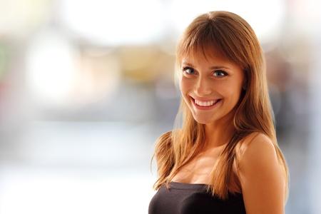 Photo pour teen girl beautiful young smiling friendly - image libre de droit