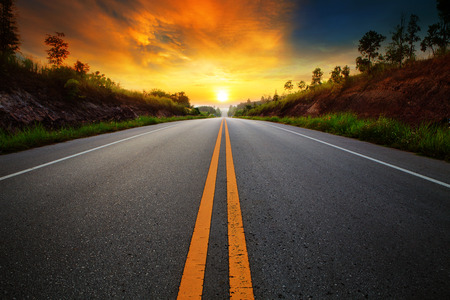 Foto de beautiful sun rising sky with asphalt highways road in rural scene use land transport and traveling background,backdrop - Imagen libre de derechos