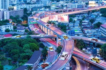 Photo pour Smart cars with automatic sensor driving on metropolis with wireless connection - image libre de droit