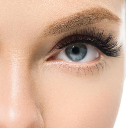 Photo pour Eye lashes woman beauty face macro. Studio shot. - image libre de droit