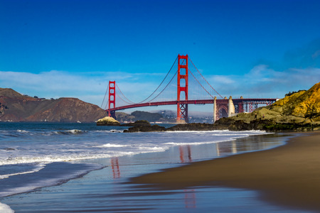 Foto de Golden Gate Bridge in San Francisco from Baker Beach - Imagen libre de derechos