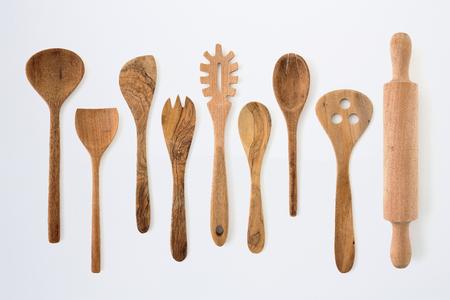Photo pour Kitchenware set of wooden fork, spoon and utensils - image libre de droit