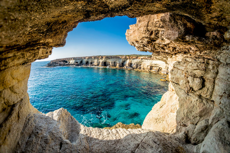 Photo pour Sea Caves near Ayia Napa, Cyprus. - image libre de droit