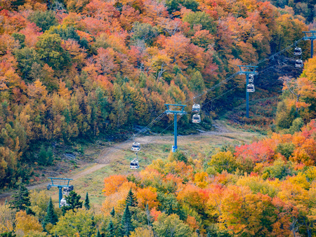 Foto per Aerial view of Mont-Tremblant National Park in fall color at Quebec, Canada - Immagine Royalty Free