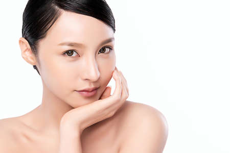Photo pour close up Beautiful Young asian Woman with Clean Fresh Skin, on white background, Face care, Facial treatment, Cosmetology, beauty and spa, Asian women portrait, - image libre de droit