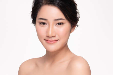 Foto de Beautiful young asian woman with clean fresh skin on white background, Face care, Facial treatment, Cosmetology, beauty and spa, Asian women portrait - Imagen libre de derechos