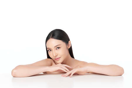 Photo pour Beautiful young asian woman with clean fresh skin on white background, Face care, Facial treatment, Cosmetology, beauty and spa, Asian women portrait - image libre de droit