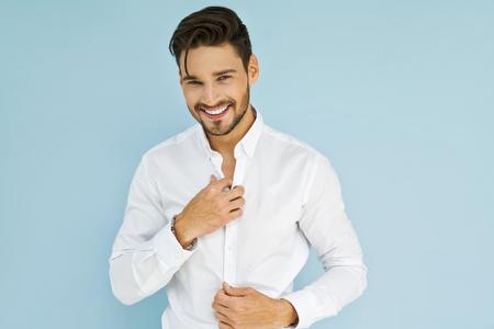Photo pour Sexy smiling business man wear white shirt - image libre de droit