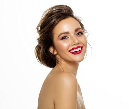 Photo pour photo of brunette female model with white teeth - image libre de droit