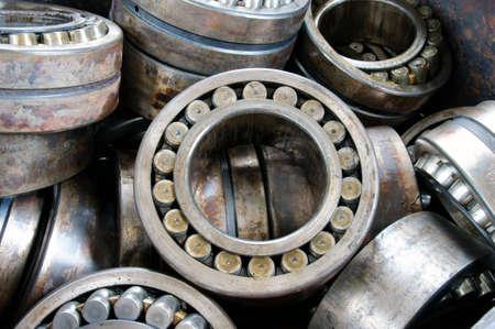 Photo pour stack broken bearing on plant, industrial bearings  - image libre de droit