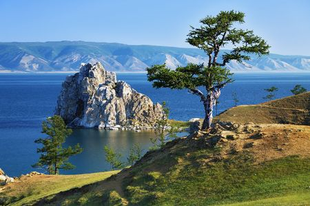 Foto de Tree of desires on cape Burhan of Olkhon Island on Lake Baikal, Russia - Imagen libre de derechos