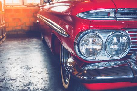 Photo pour Headlight vintage car - image libre de droit