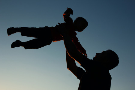 Photo pour very nice silhouette of father and son - image libre de droit