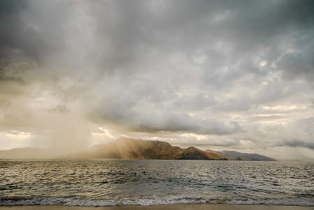 Photo pour Gloomy day at the scenic shore Zambales, Philippines. - image libre de droit