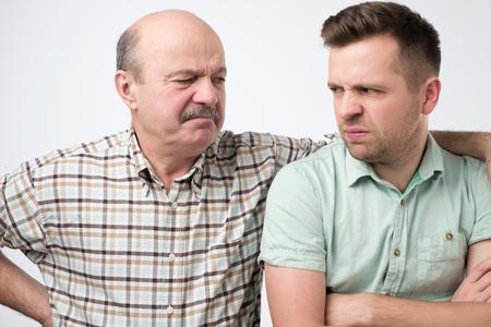Photo pour Angry father and son having an argument - image libre de droit