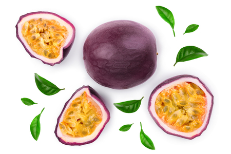 Photo pour passion fruits and a half with leaves isolated on white background. Isolated maracuya. Top view. Flat lay - image libre de droit