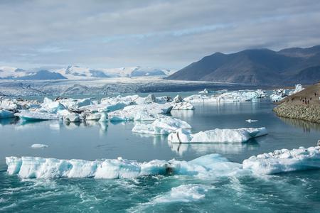 Photo pour ice at Jokulsarlon Glacial lagoon, Iceland. Beautiful landcape Iceland - image libre de droit