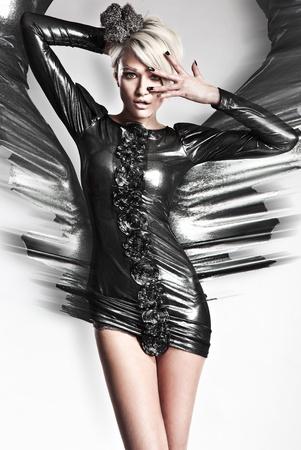Foto de Vogue style photo of a young blond beauty - Imagen libre de derechos