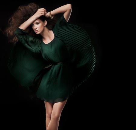 Foto de Fashion style photo of a young brunette - Imagen libre de derechos